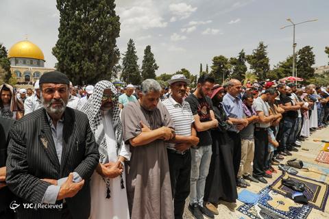 حضور گسترده فلسطینی ها در نماز جمعه مسجد الاقصی