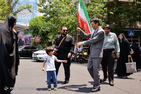 حضور سیدپرویز فتاح رئیس کمیته امداد امام خمینی(ره) در راهپیمایی روز جهانی قدس ۹۸ تهران