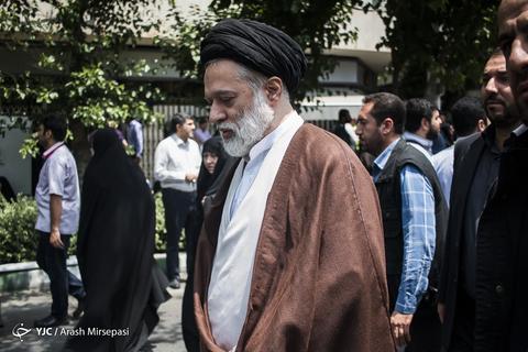 حضور حجتالاسلام سیدمصطفی حسینیخامنهای فرزند رهبر معظم انقلاب در راهپیمایی روز جهانی قدس ۹۸ تهران