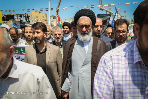 حضور حجتالاسلام سیدمحمد سعیدی تولیت حرم حضرت معصومه(س) در راهپیمایی روز جهانی قدس ۹۸ قم