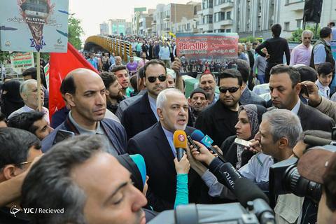 حضور محمدجواد ظریف وزیر امور خارجه در راهپیمایی روز جهانی قدس ۹۸ تهران