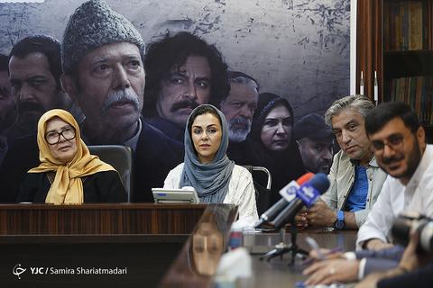 از راست محمرضا شفیعی، محمدرضا آهنج، شیوا ابراهیمی و آفرین عبیسی در نشست خبری سریال برادرجان