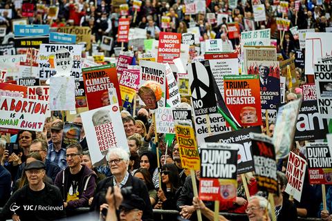 تظاهرات کنندگان در اعتراضات ضد ترامپ در لندن