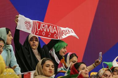 حضور بانوان در حاشیه دیدار تیم ملی والیبال ایران و کانادا در لیگ والیبال ملتهای جهان ۲۰۱۹ در شهر ارومیه