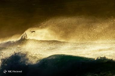 موج سواری در ساحل برونته استرالیا