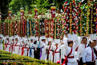 برگزاری جشن سنتی روز روح القدس در پرتغال