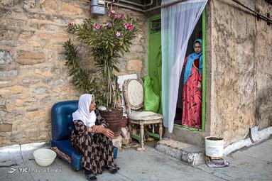 پوشش محلی زنان کرد در روستای هورامان تخت