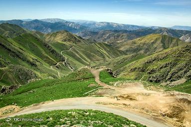نمایی از طبیعت اورامانات و رشته کوه زاگرس