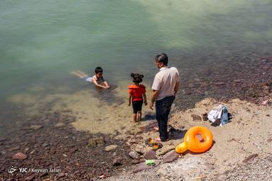 مسافران تابستانی در چیچست؛ دریای آب شور چیچست همان نام کهن و باستانی دریاچه ارومیه یا دریاچه کبودان در شهر ارومیه است