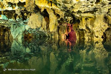 هوای داخل غار بسیار سبک است و حالت سکون مطلق دارد؛