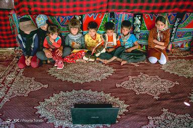 از دیگر خدمات کانون سیار پرورش رشد فکری پخش فیلم های کودک در مناطق محروم میباشد، کودکان به مراتب دیدن فیلم را به کتاب خواندن ترجیح میدهند، منطقه شیخ علی خان