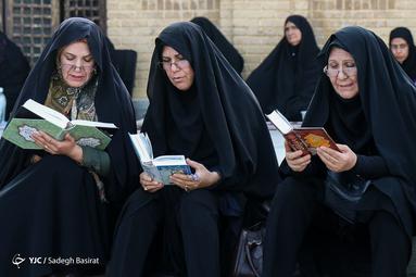 مراسم پرفیض دعای عرفه در مزار شهدا شهرضا