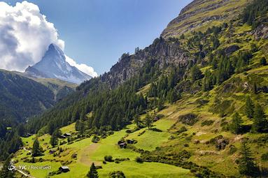 ابرها بر فراز ماترهورن در زرمات، سویس