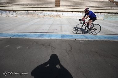 مسابقات پاراسایکلینگ، قهرمانی کشور، نابینایان و کم بینایان در بخش پیست و جاده در مجموعه آزادی