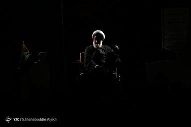 هیئتِ ما/ عزاداری شب عاشورا در هیأت میثاق با شهدا دانشگاه امام صادق(ع)