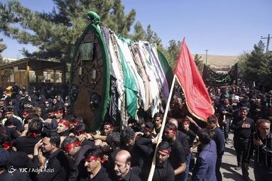 آیین سنتی وداع نخلهای روستاهای خاوه اردهال و علوی ظهر روز عاشورا در مشهد اردهال