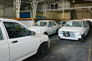 بازدید دادستان تهران از انبار خودروهای احتکار شده