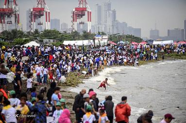 پاکسازی ساحلی در مانیل ، فیلیپین