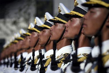 سربازان چینی در هفتادمین سالگرد تأسیس جمهوری خلق چین