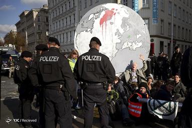 تظاهرات فعالان محیط زیست در اتریش