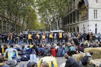 تظاهرات فعالان محیط زیست در فرانسه