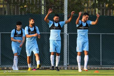 تمرین نیم ملی فوتبال