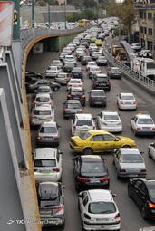 ترافیک صبحگاهی زیر پل پارک وی