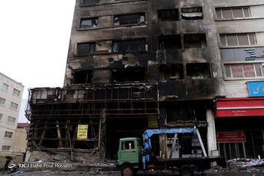 تخریب اموال عمومی توسط آشوبگران در شیراز