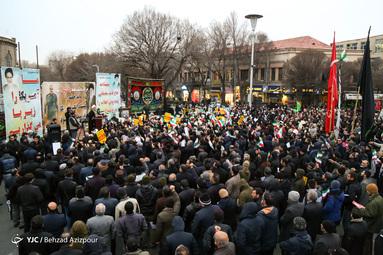 حمایت مردم تبریز از سیلی سپاه به آمریکا