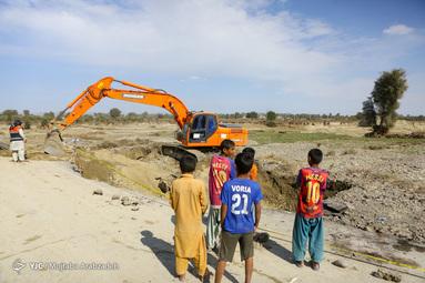 امداد رسانی به سیل زدگان سیستان و بلوچستان در منطقه عورکی بزرگ