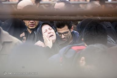 تشییع و خاکسپاری ۴ تن از شهدای سانحه هوایی در همدان