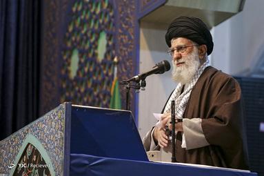 نماز جمعه امروز تهران ۲۷ دی ماه به امامت رهبر معظم انقلاب اسلامی در مصلای امام خمینی(ره) تهران برگزار شد.