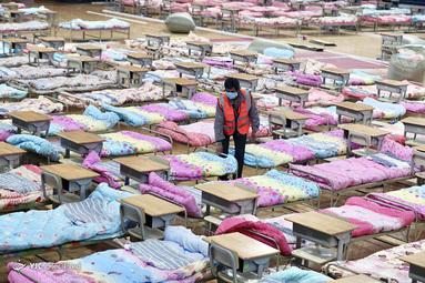 تبدیل ورزشگاه Hongshan به بیمارستان با تختخواب ها، بخاطر ویروس کرونا در چین