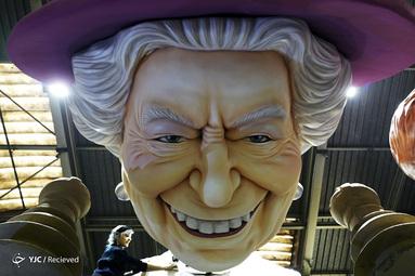 یک چهره غول پیکر از ملکه الیزابت دوم در نیس فرانسه