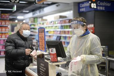 یک سوپر مارکت در ووهان، مرکز مرکز شیوع ویروس کرونا، در استان هوبی مرکزی چین