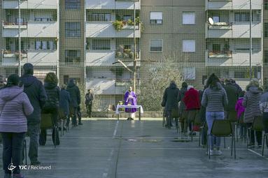 برگزاری مراسم مذهبی در ایتالیا در فضای باز بخاطر شیوع کرونا