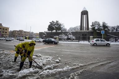 بارش شدید برف بهاری در همدان