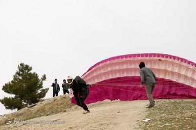 پرواز تفریحی آموزشی با چتر پاراگلایدر در اطراف تهران