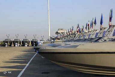 تحویل دهی شناورهای تندرو به نیروی دریایی سپاه