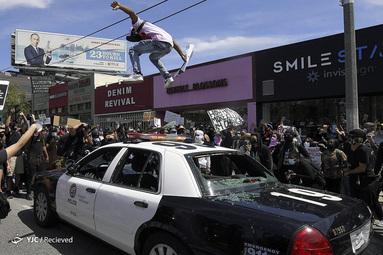 تظاهرکنندگان در اعتراض به قتل جورج فلوید در لس آنجلس
