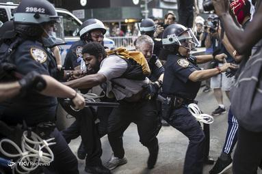 تظاهرکنندگان در اعتراض به قتل جورج فلوید در نیویورک