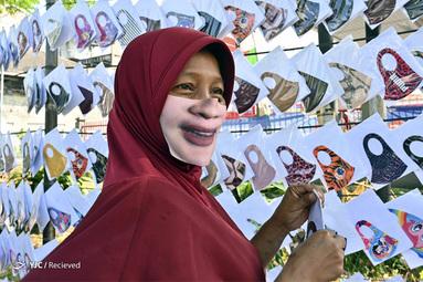 فروشنده ماسک صورت در اندونزی