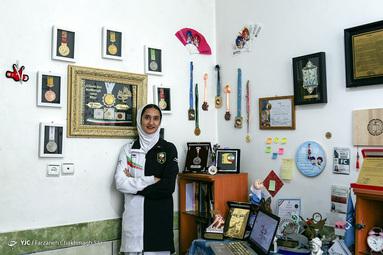 لیلا کشاورزی متولد 1376 نخبه علمی و ورزشی شیراز، کسب بیش از 10 مقام و مدال جهانی و کشوری اختراعات و کسب 2 مدال طلا، 3 نقره و 1 برنز جهانی تکواندو