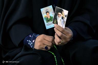 مراسم وداع با پیکر شهید دفاع مقدس «نسیم افغانی» در رواق امام خمینی(ره) حرم مطهر رضوی