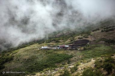فیلبند (به مازندرانی: فِلبَن) روستایی در بخش بندپی شهرستان بابل در استان مازندران ایران که یکی از زیباترین پپلاقهای ایران برفراز ابرها است