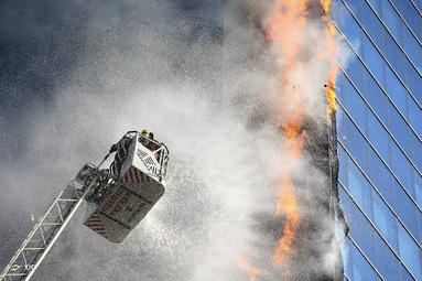 آتش سوزی در یک مرکز تجاری در آنکارا ،ترکیه