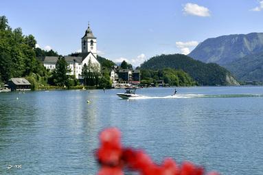 دریاچه ولفگانگ در سنت ولفگانگ اتریش