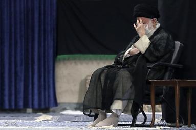 مراسم عزاداری روز شهادت حضرت امام سجاد (ع) با حضور رهبر انقلاب