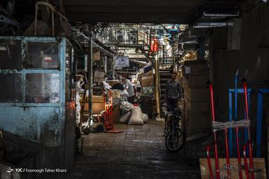 بافت فرسوده و محل تردد و کسب و کار مردم - بازار تهران