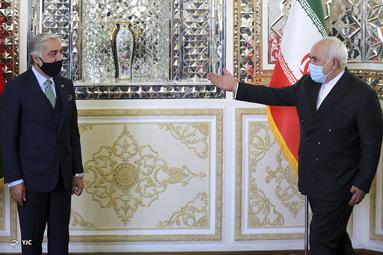 دیدار رئیس شورای عالی مصالحه افغانستان با محمد جواد ظریف